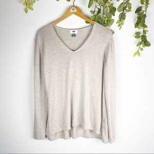 Old Navy Tops - Old Navy Cream Classic Knit Palomino V-neck Blouse